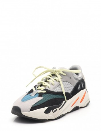 adidas-yeezy-boost-700-x-boost-big-3
